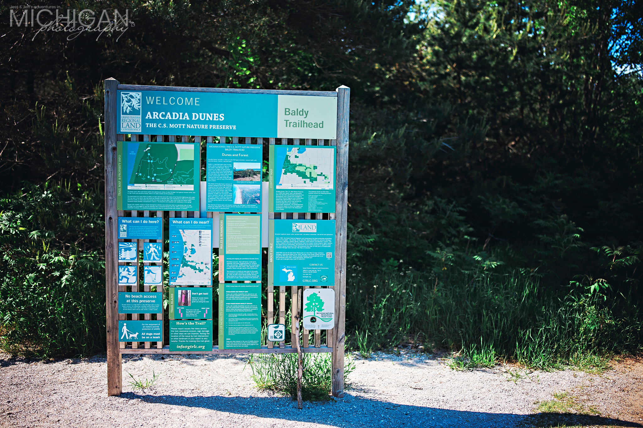The main sign at the Baldy Trailhead